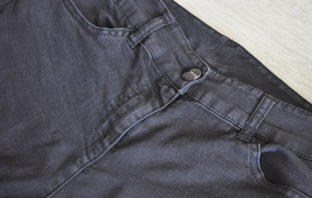 black_jeans
